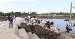 খুলনা ও সাতক্ষীরার বেড়িবাঁধ নির্মাণে বাংলাদেশ সেনাবাহিনী