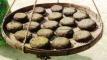 সিদল তৈরিতে ব্যস্ত সময় পার করছেন বদরগঞ্জের নারীরা